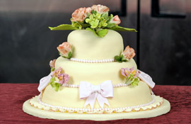 Award-winning competition cake with fondant frosting and gum paste flowers
