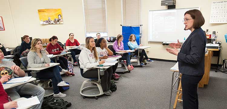 Communication Disorders, Special Education students listening to professor